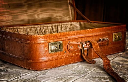 luggage-3297015_960_720